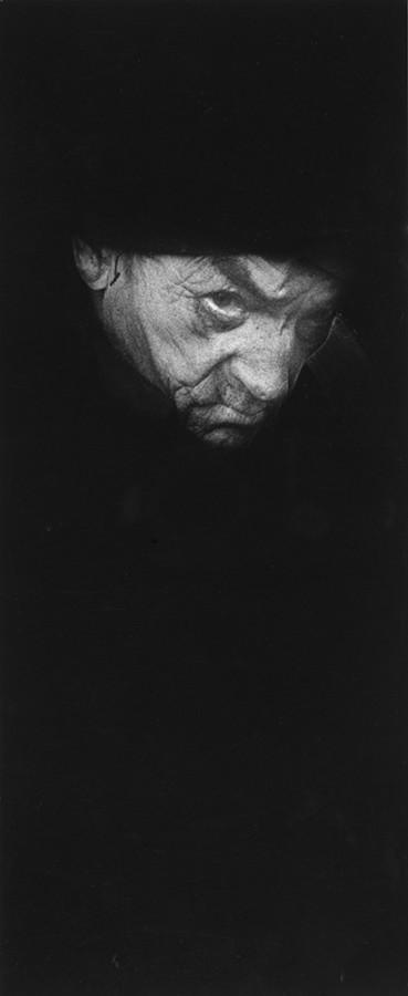 Portret mÍŅczyzny (twarz w czerni). Fot. Tadeusz Kowalski/ZPAF